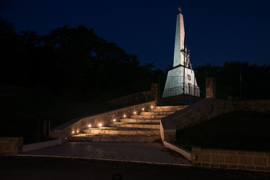 monumento-compressor